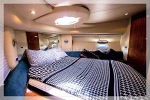 Яхта Azimut 42 fly салон