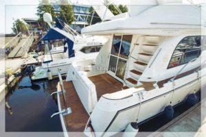 Яхта Bayliner 37 Meredian палуба