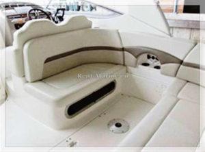 катер Chaparral 31 Meduza диван на палубе