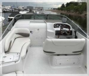 катер Crownline 275 палуба