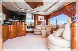 яхта Elegance 65 зал