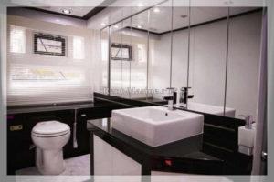 яхта Galeon 640 туалет