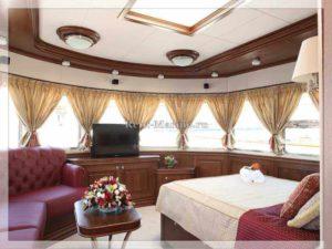 Яхта Нева салон