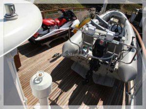 теплоход яхтенного типа Нева катера