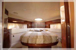 Яхта Princess 42 каюта