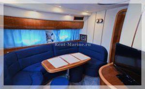 Яхта Princess 42V салон