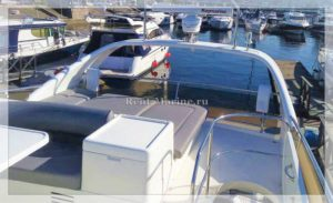 Яхта Princess 50 палуба