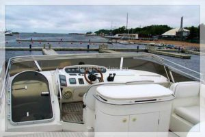 Яхта Princess 60 палуба