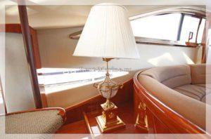 Яхта Princess 65 салон