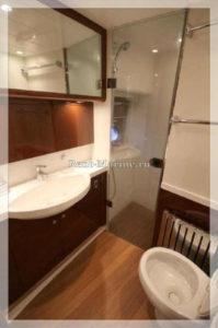 яхта Princess 67 туалет
