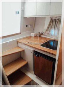 катер Pilar Fiart 32 кухня