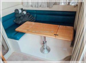 катер Pilar Fiart 32 столик и диван