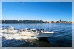 катер Венеция на скорости