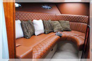 Катер Windsor 31 диван